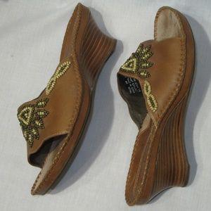Clarks Artisan 8M Brown Beads Wedge Sandals Slides